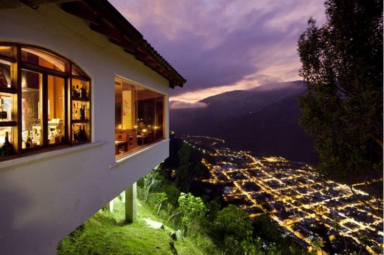 1 Espectacular vista a Baños desde el Café del Cielo en Luna Runtun