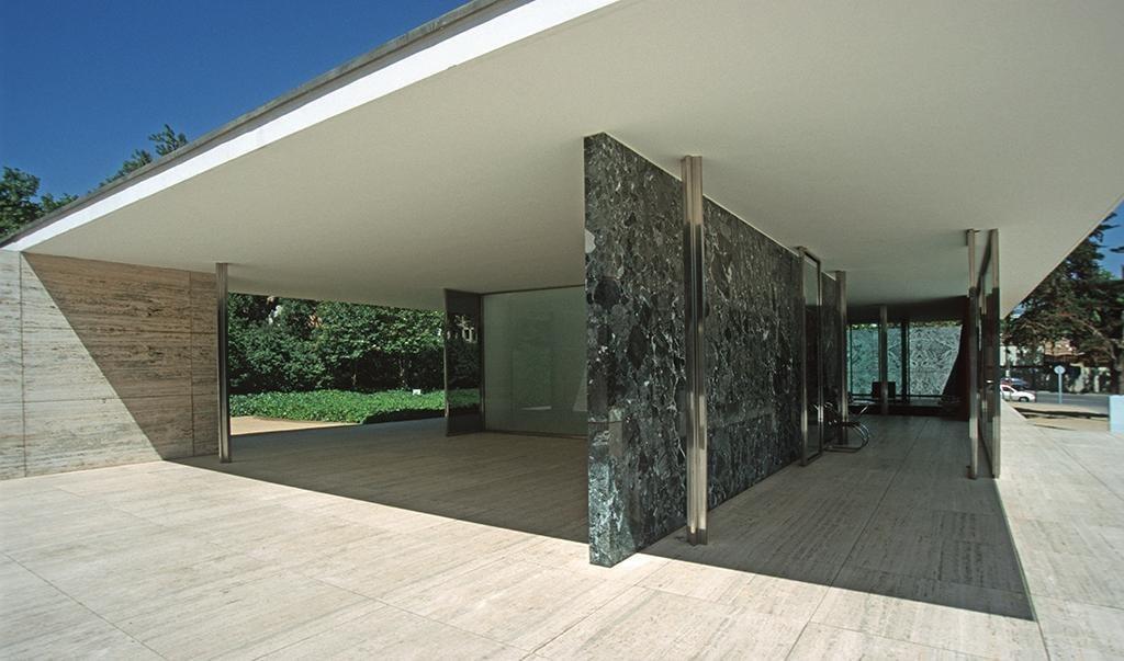 1024px-Barcelona_mies_v_d_rohe_pavillon_weltausstellung1999_03