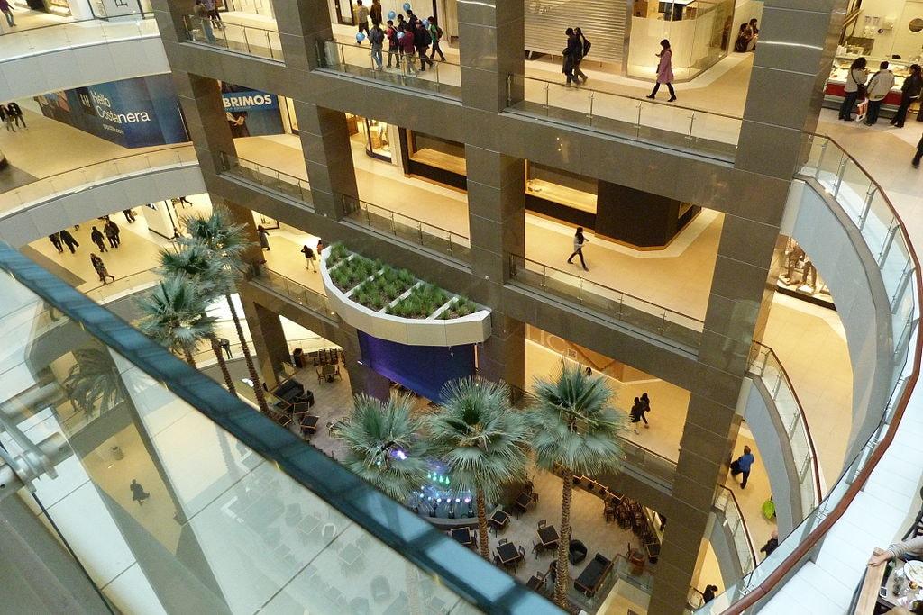 1024px-Mall_de_Costanera_Center