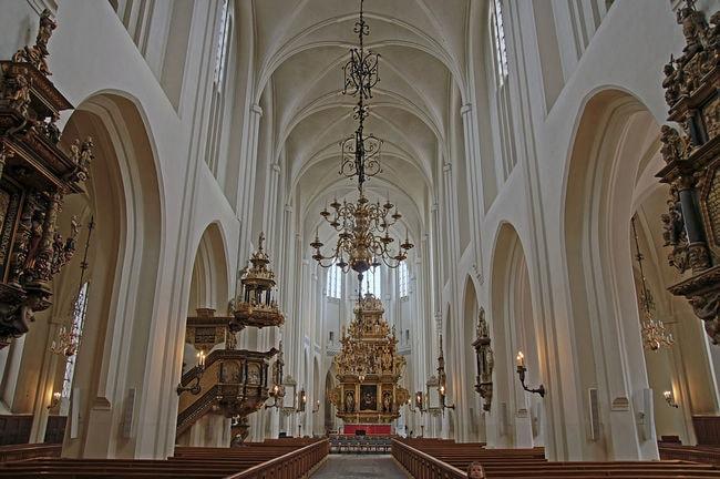 1024px-Malmö,_St._Petri_Kyrka_2