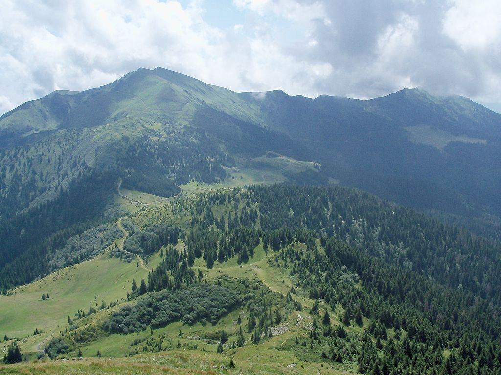 1024px-Marmarosh_mountains