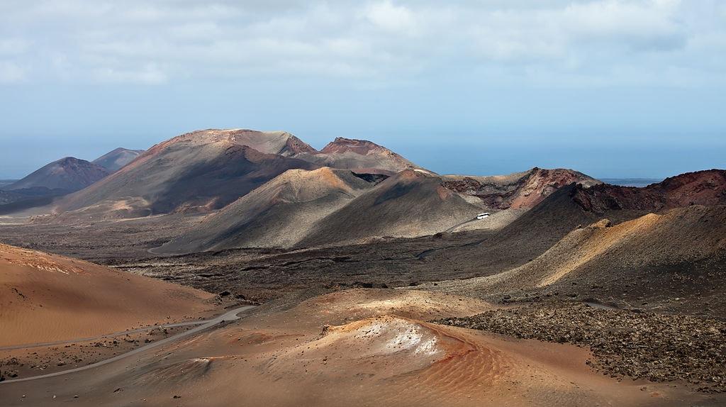 1024px-Timanfaya-_Lanzarote-_Illas_Canarias-_Spain-T20-denoised