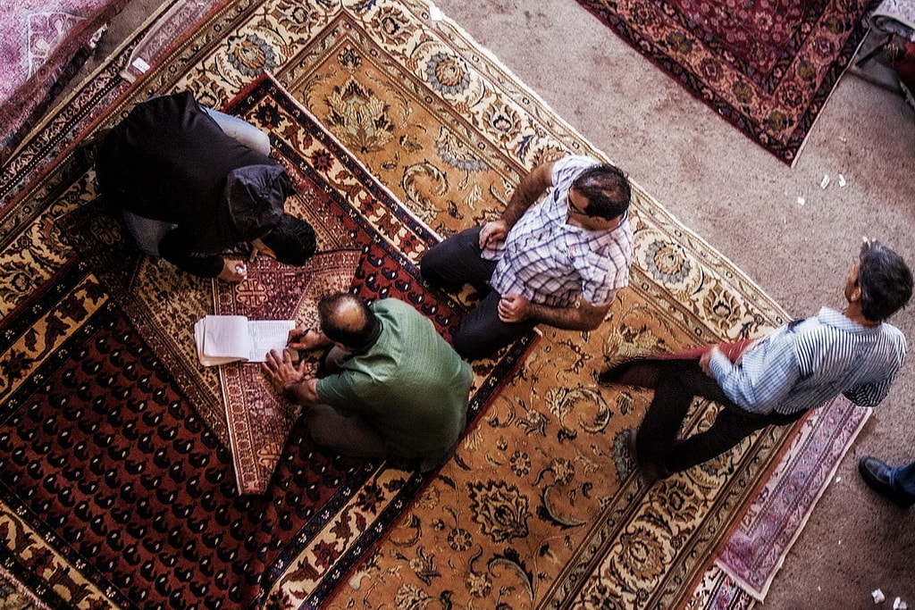 Investing in a Persian carpet requires some haggling | © Mad Roodgoli / Flickr