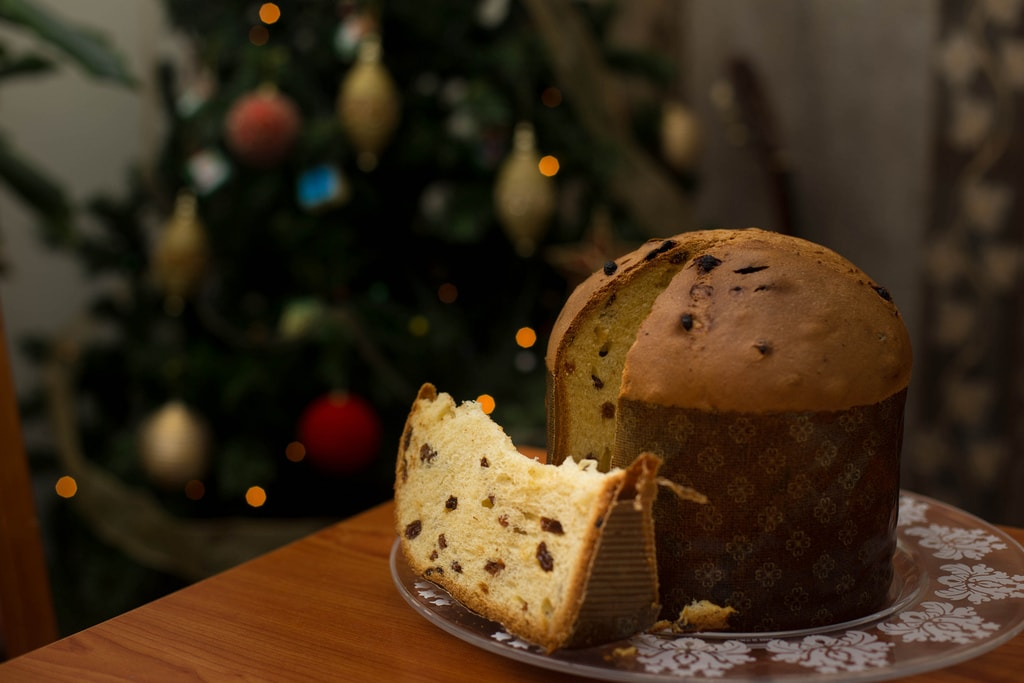 Panettone is an enriched dough with candied and dried fruit | © N i c o l a/Flickr