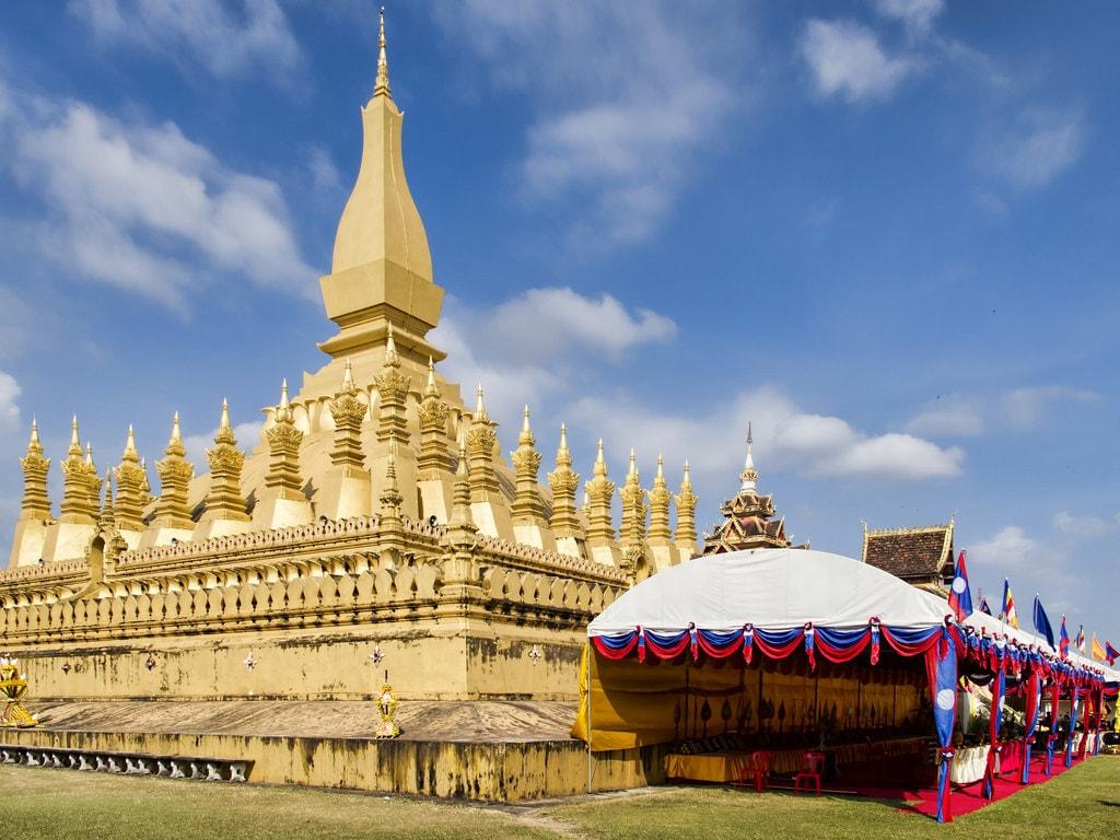 11828305256_dd1d6af8bf_kBoun That Luang | © Dan Lundberg/Flickr