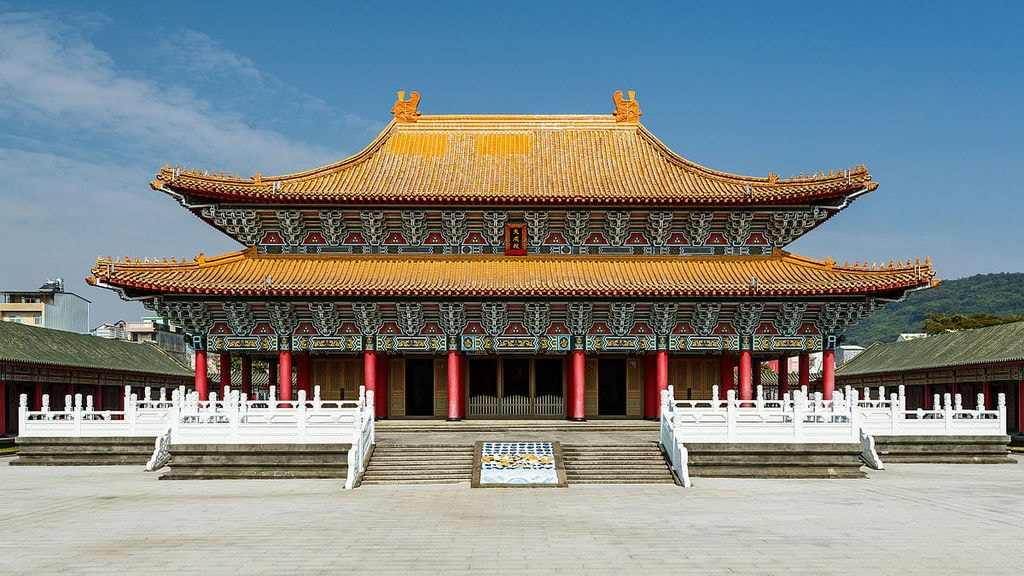 1200px-Kaohsiung_Taiwan_Kaohsiung-Confucius-Temple-01