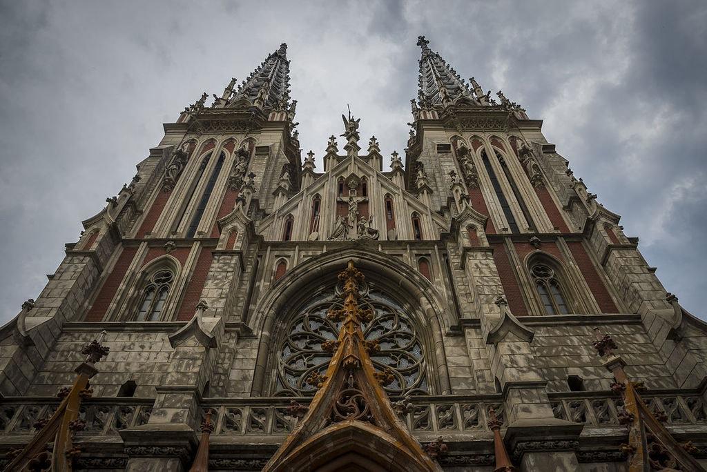 1200px-St._Nicholas_Roman_Catholic_Cathedral,_Kyiv_3