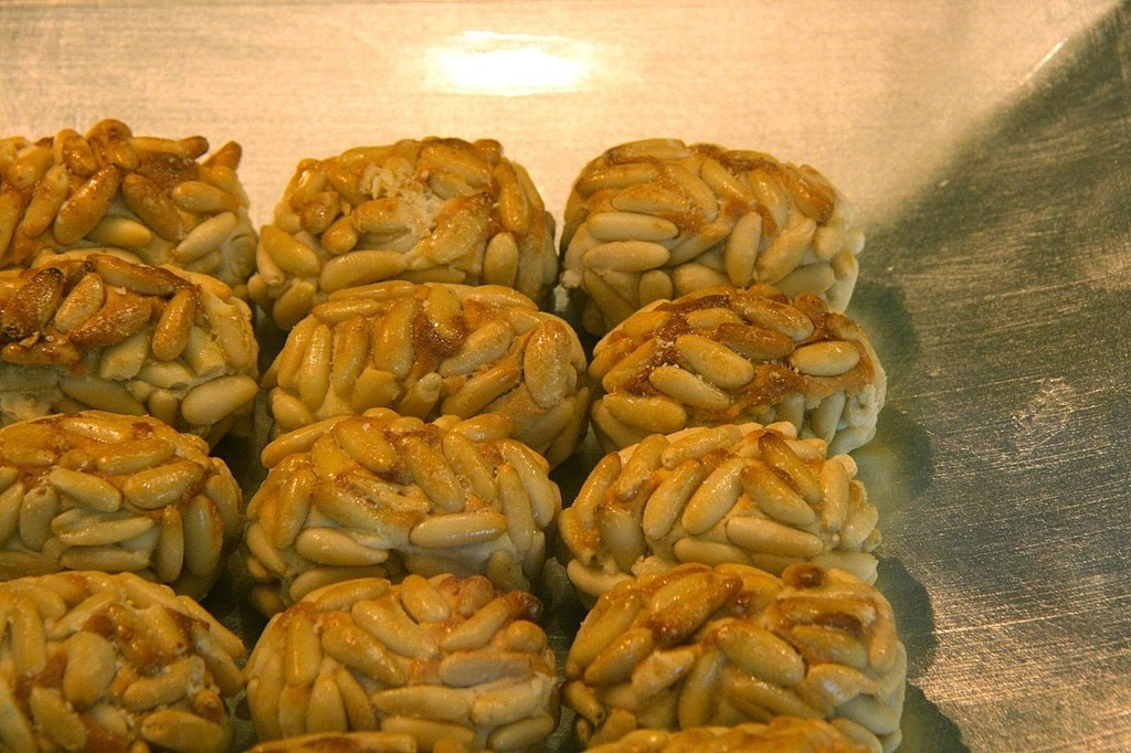 Marzipan sweets | ©Tamorlan / Wikimedia Commons