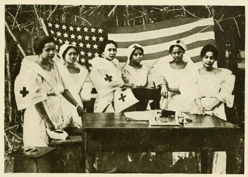 (1919)_pic60_-_Red_Cross_Nurses_in_the_Philippines