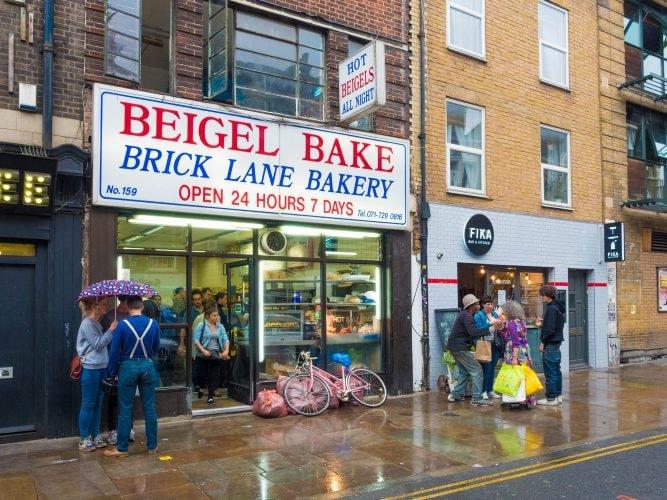 Beigel Bake Brick Lane | © chas B/Flickr