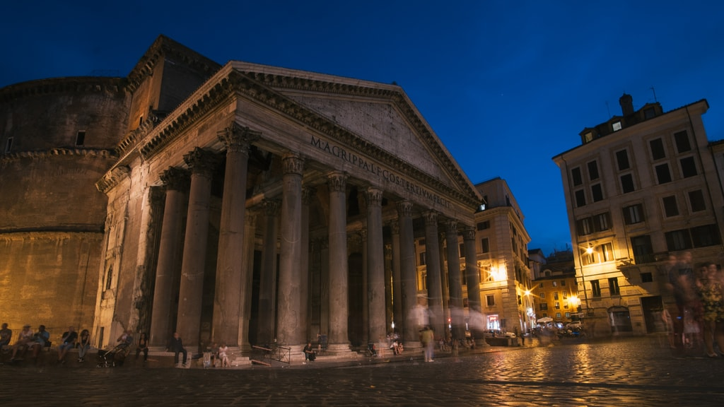 The Pantheon at night   © bongs Lee/Flickr