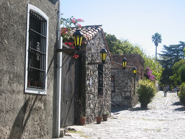 Cobbled streets and colonial architecture in Colonia del Sacramento