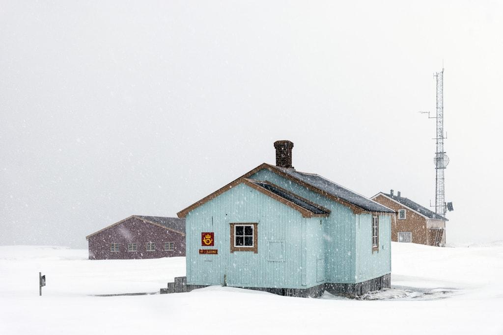 Ny-Ålesund Research Base   © Christopher Michel / Flickr