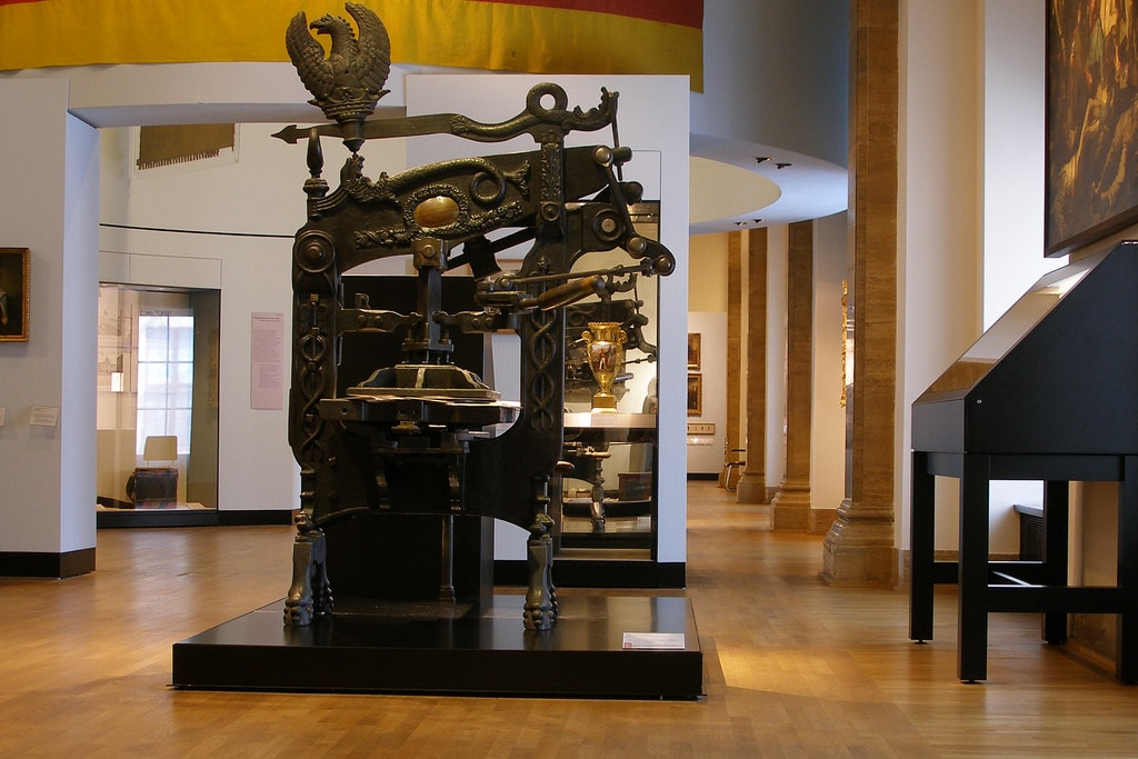 A printing press, similar those in Palazzo Poli, from 1860 | © Thomas Quine/Flickr
