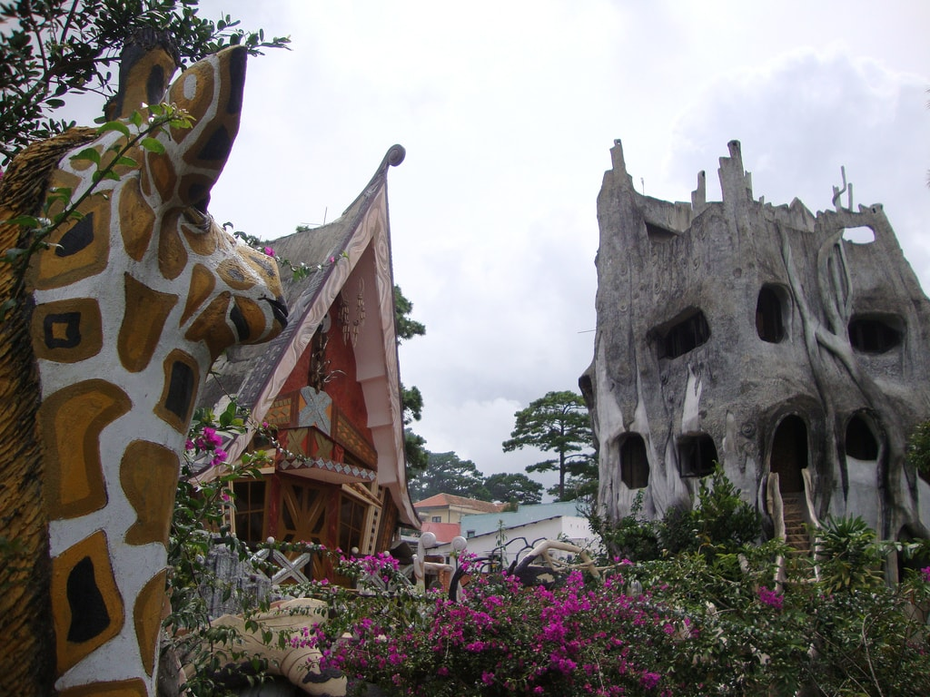 The weird and wonderful Crazy House | © Tom Ravenscrodt/Flickr