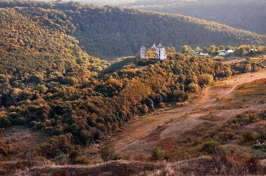 61-220-0107_Nyrkiv_Castle_3_RB (1)