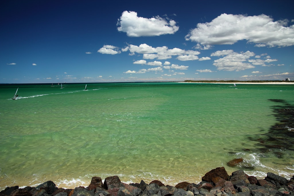 Windsurfing at Caloundra © Flickr / texaus1
