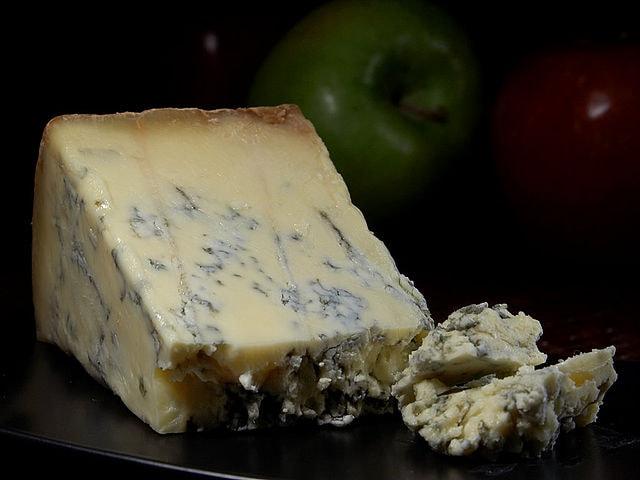 640px-Blue_Stilton_cheese
