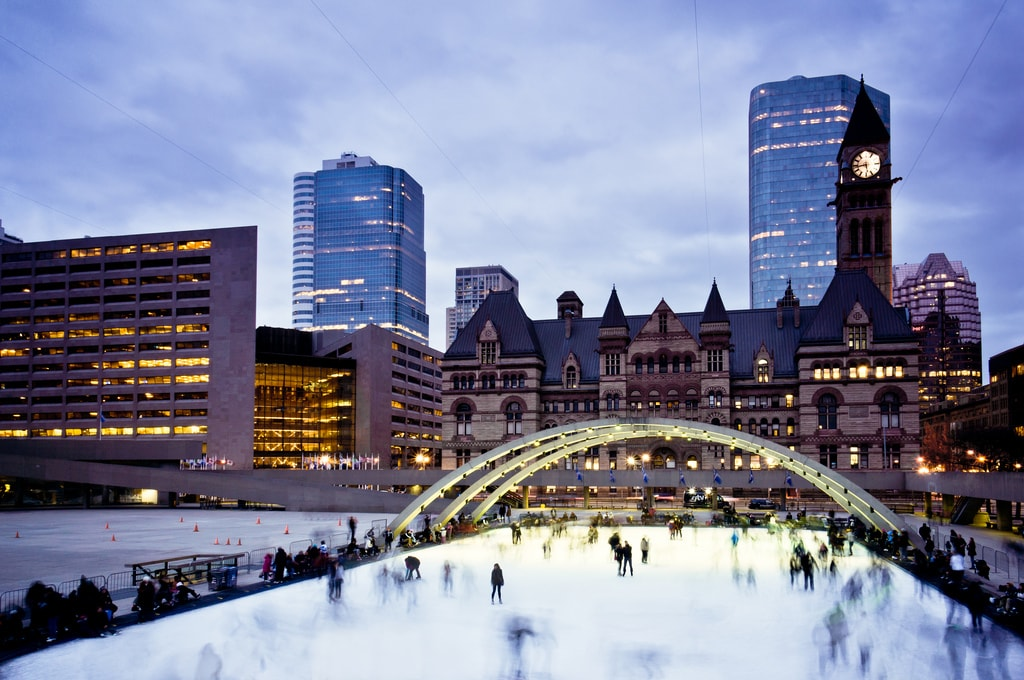 Iceskating at Nathan Phillips Square | © Benson Kua/Flickr