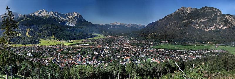 800px-Garmisch-Partenkirchen_high_resolution