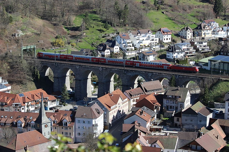 800px-Hornberg_Viadukt_1