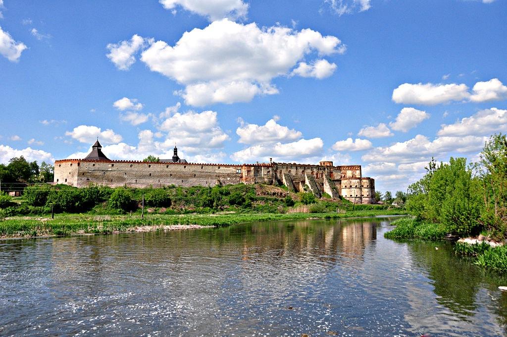Меджибізький_замок_(травень_2011)