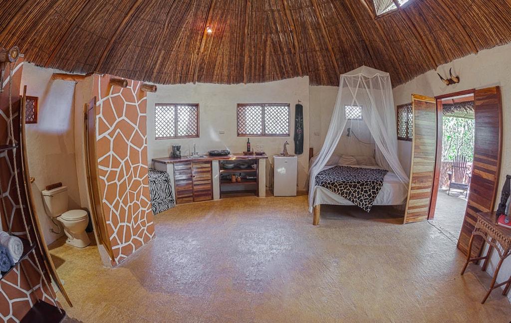 African interior-MiloMundo