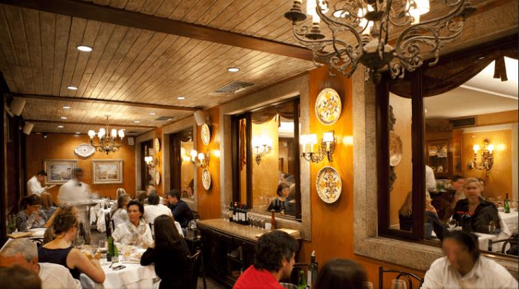 The traditional setting of Artigiano Ristorante | (c) Artigiano Ristorante