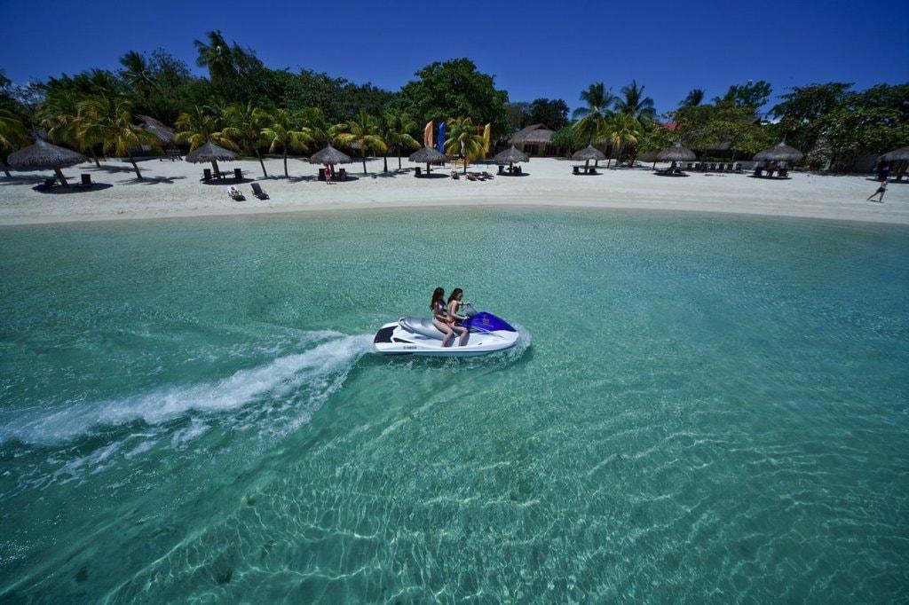Bluewater Maribago - Beach