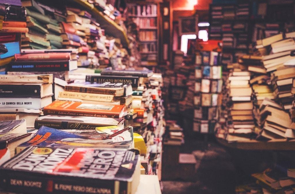 books-2211342_1920