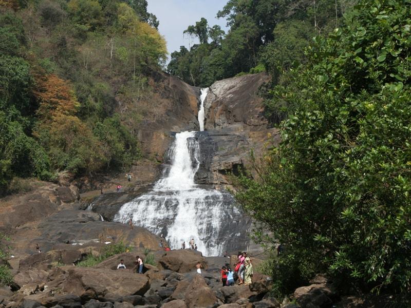 Bopath_Ella_Falls_-_panoramio