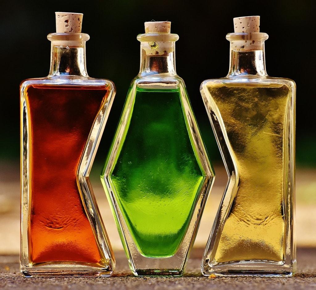 bottles-1640819_1920