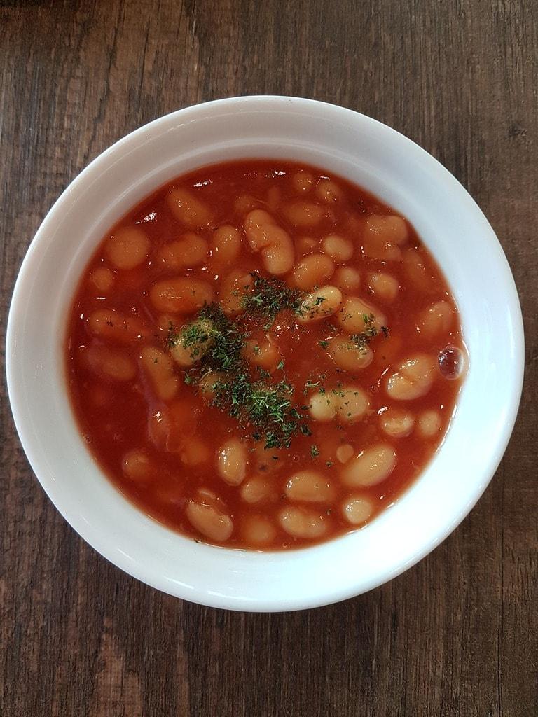 https://pixabay.com/en/breakfast-baked-bean-meal-food-2894729/