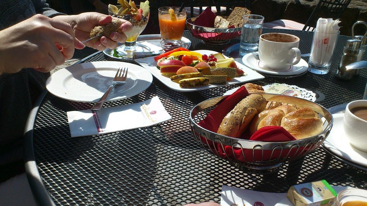breakfast-378011_1280