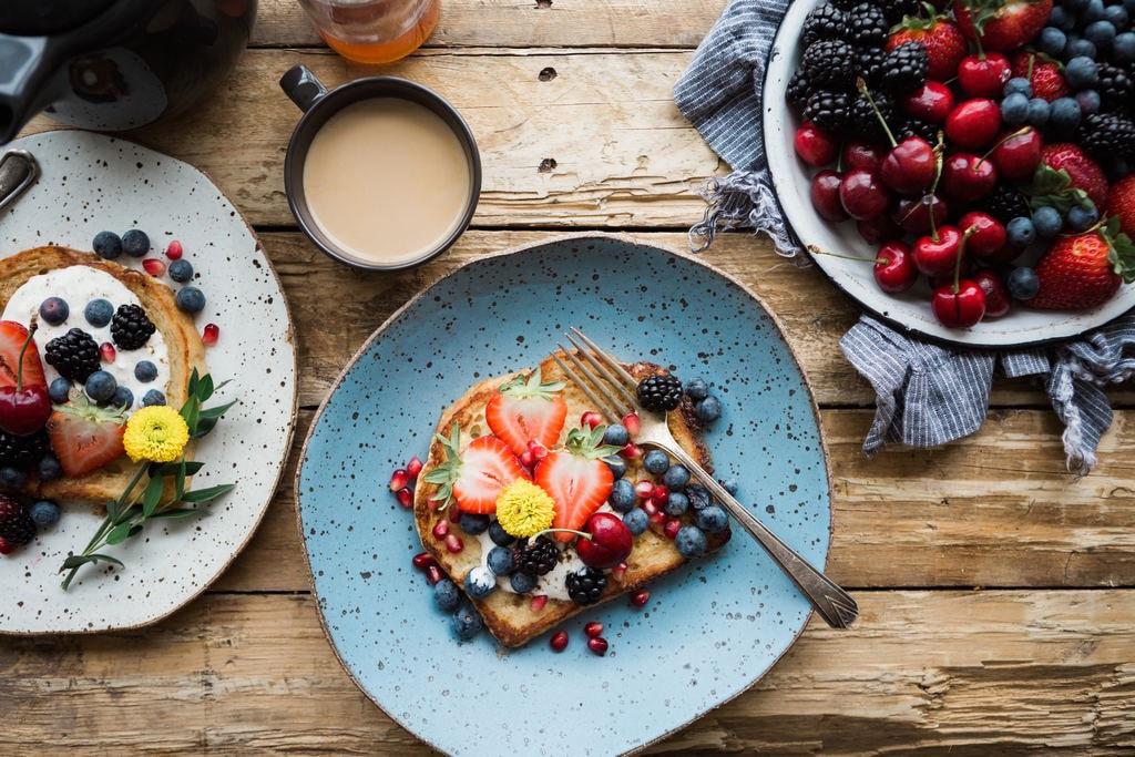 A proper breakfast   © Brooke Lark / Unsplash