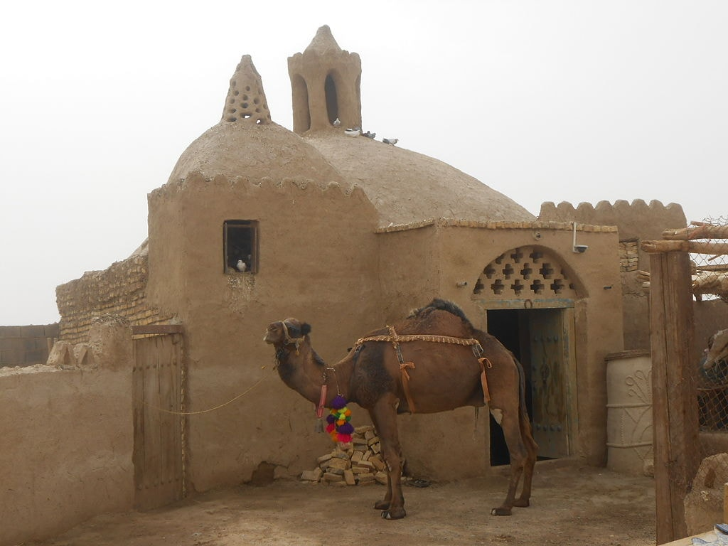 The camel mill in Varzaneh was once used to grind wheat | © Mohammadjavad Ebrahimivarzaneh / Wikimedia Commons