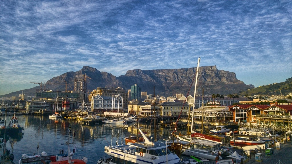 Cape Town harbour and Table Mountain | © travelbusy.com:Flickr