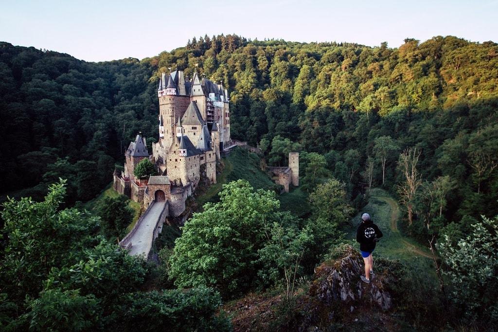 castle-2351417_1280