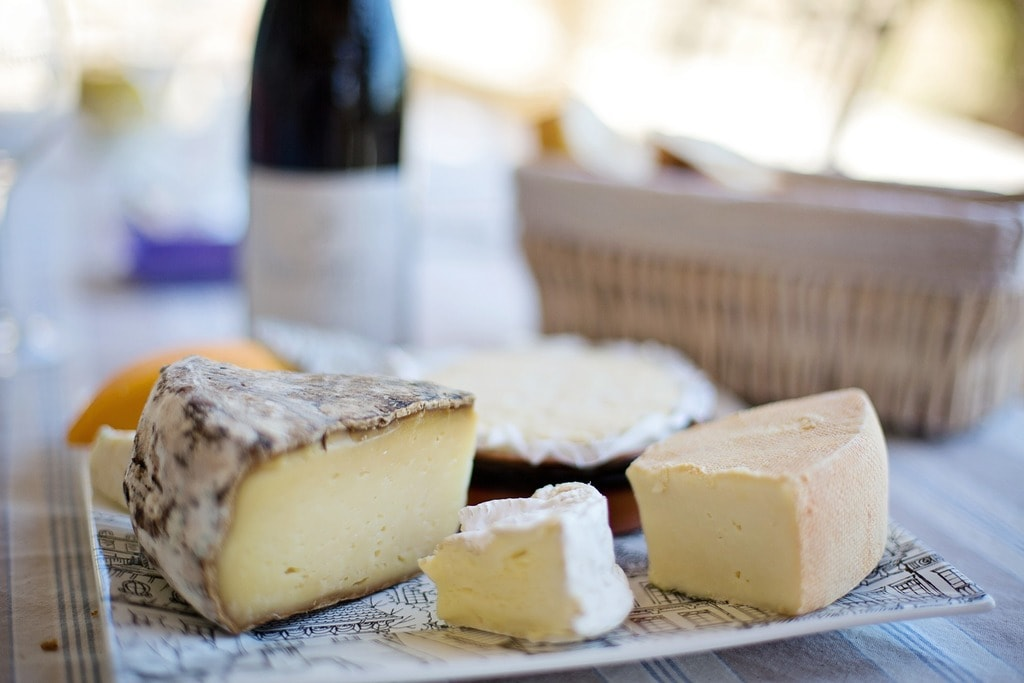 cheese-tray-1433504_1920