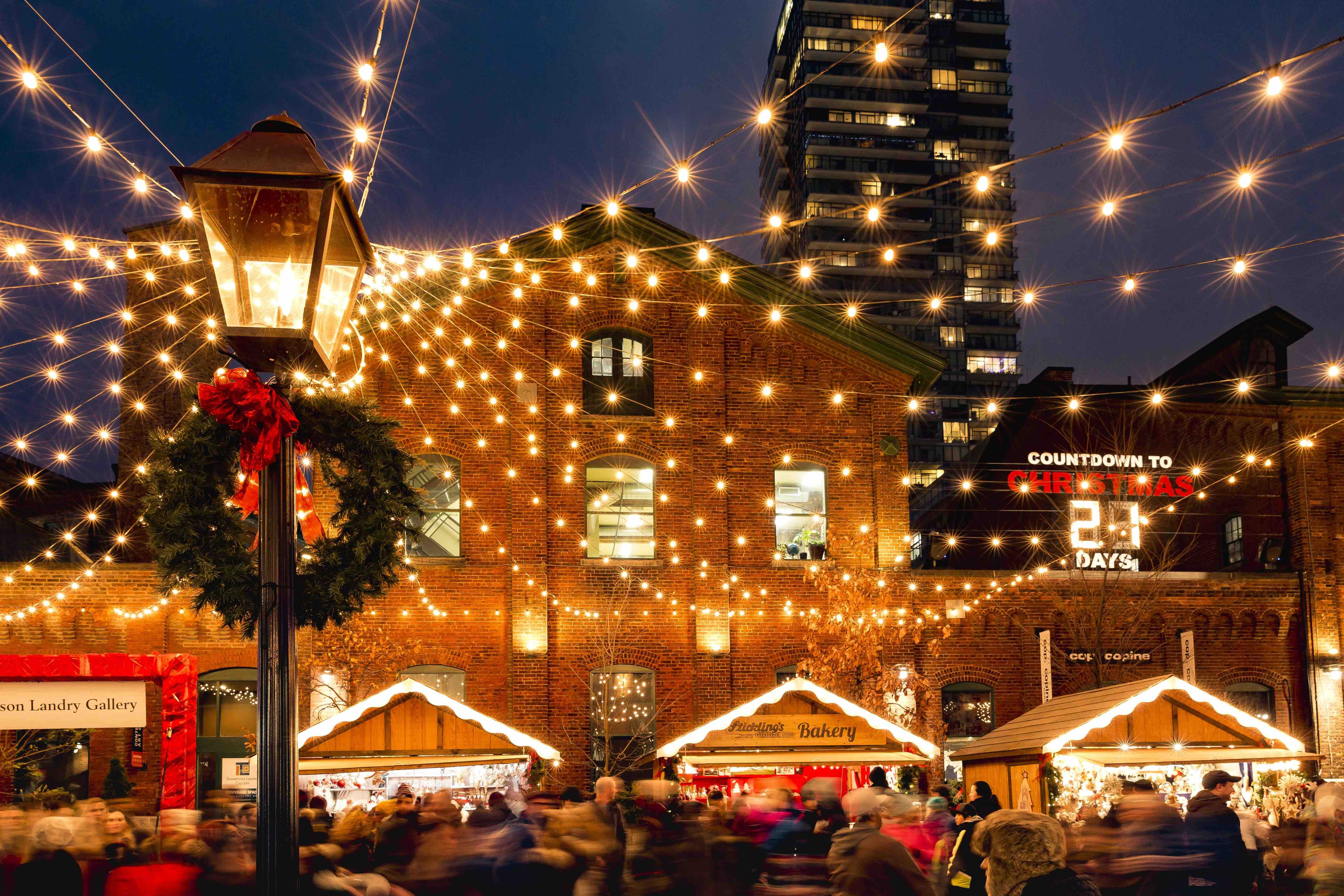 12 Christmy Things To Do In Toronto