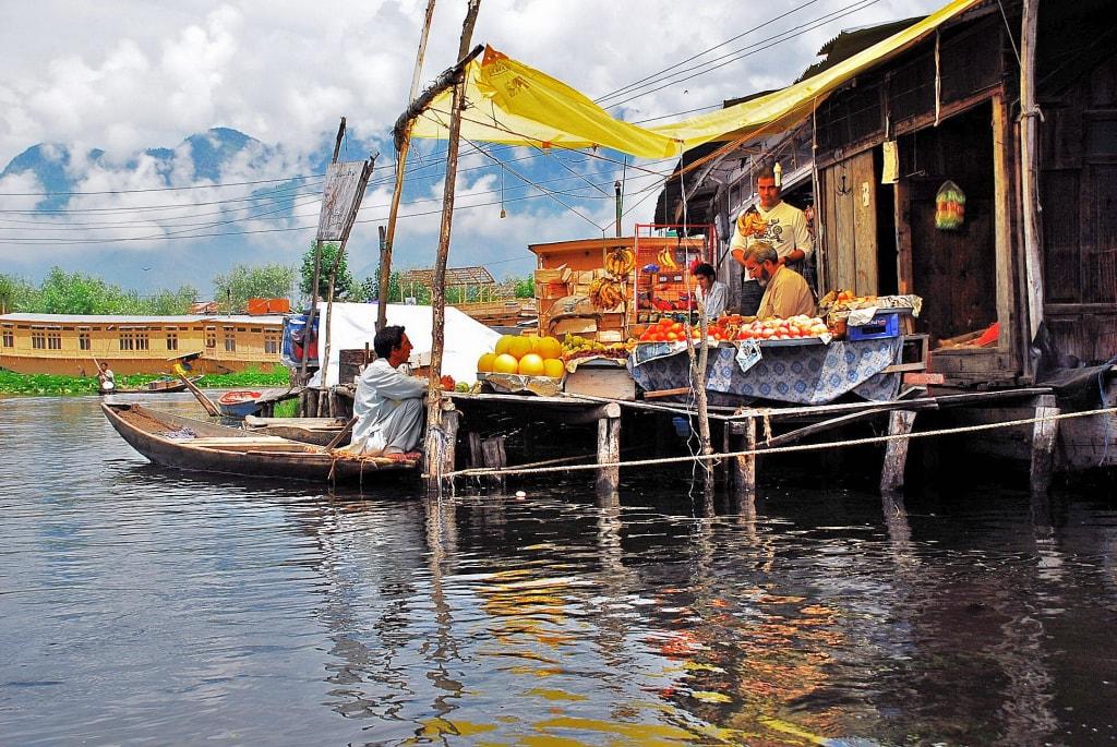 Dal Lake Floating market
