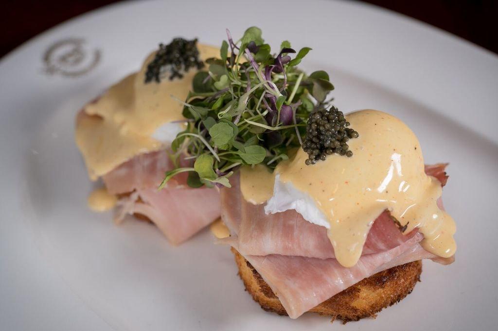 Delmonicos_EggsBenedict_Credit_Delmonico'sRestaurant_preview
