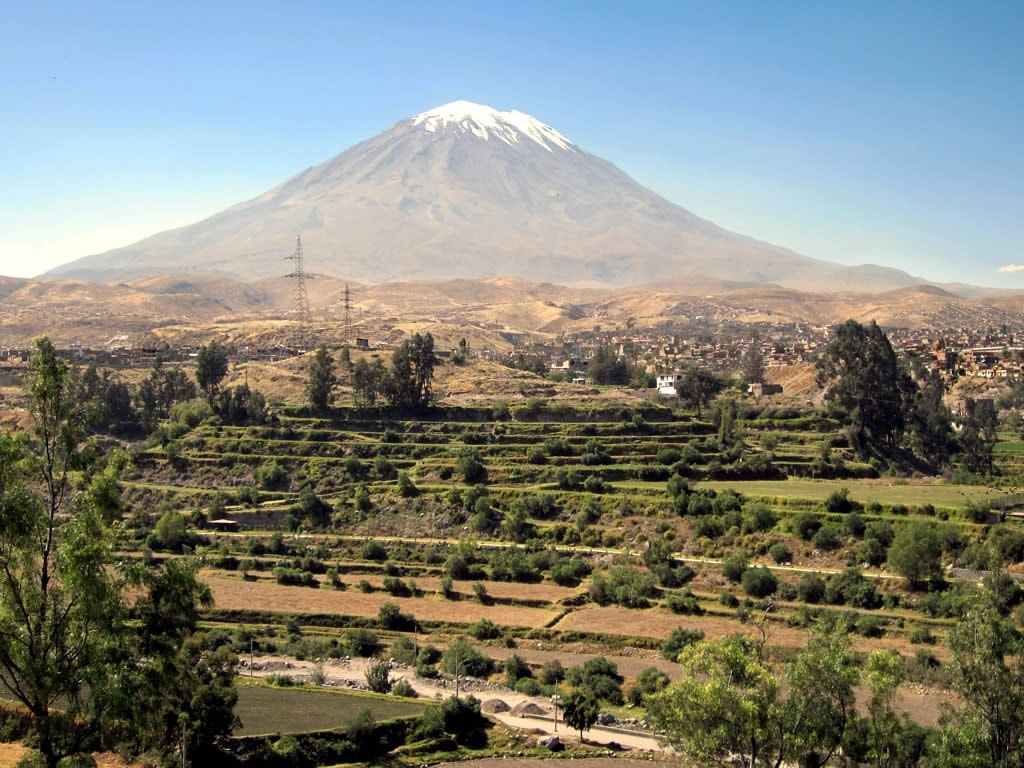 El_Misti_Volcano_(7521863060)