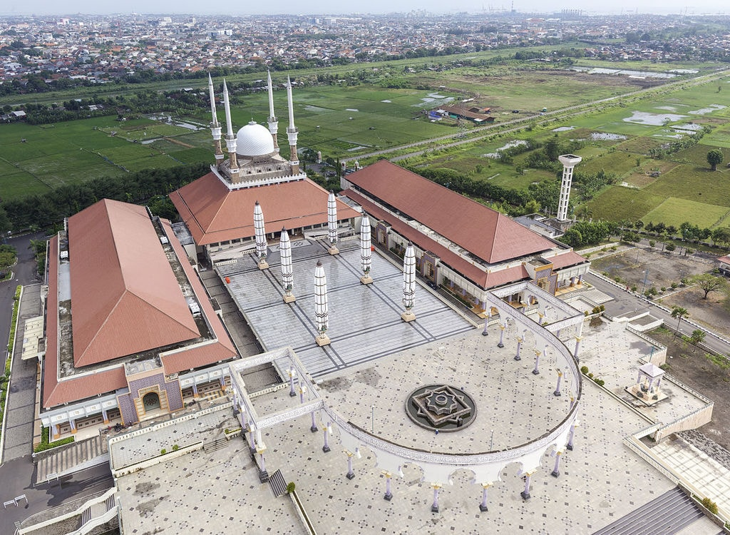 Great_Mosque_of_Central_Java,_aerial_view