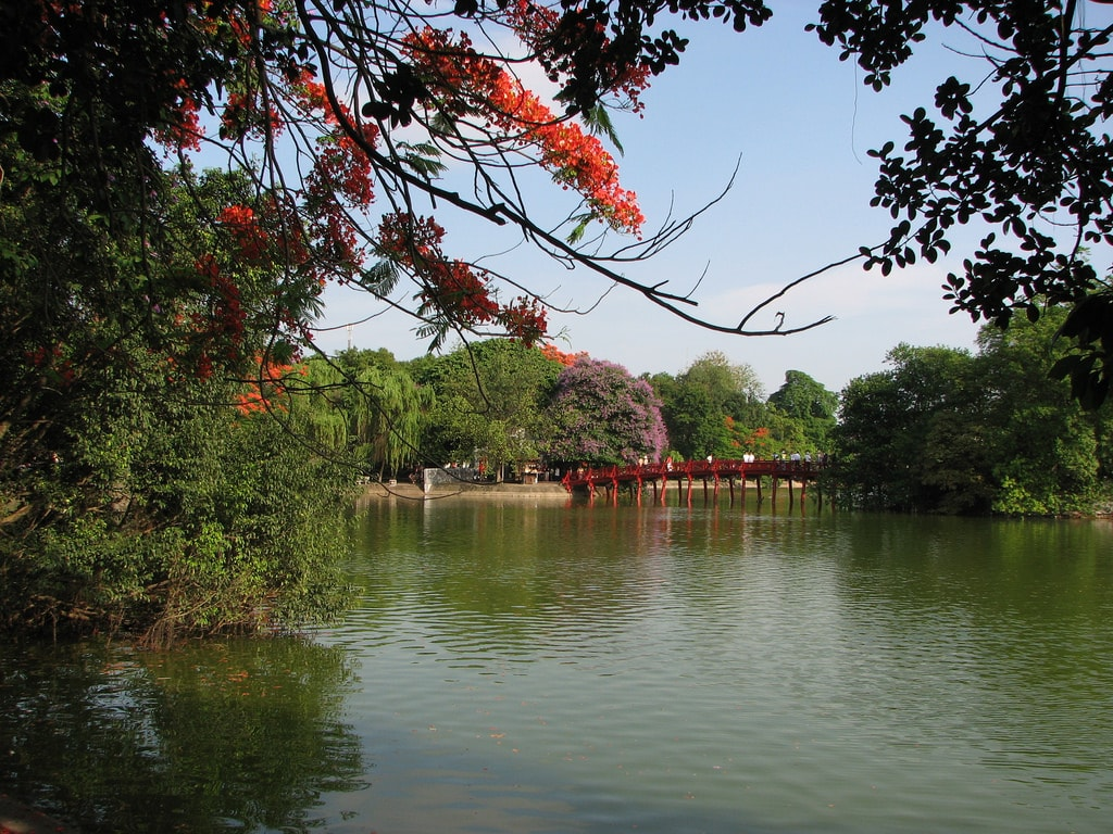 Hoan Kiem Lake | © audbot/Flickr