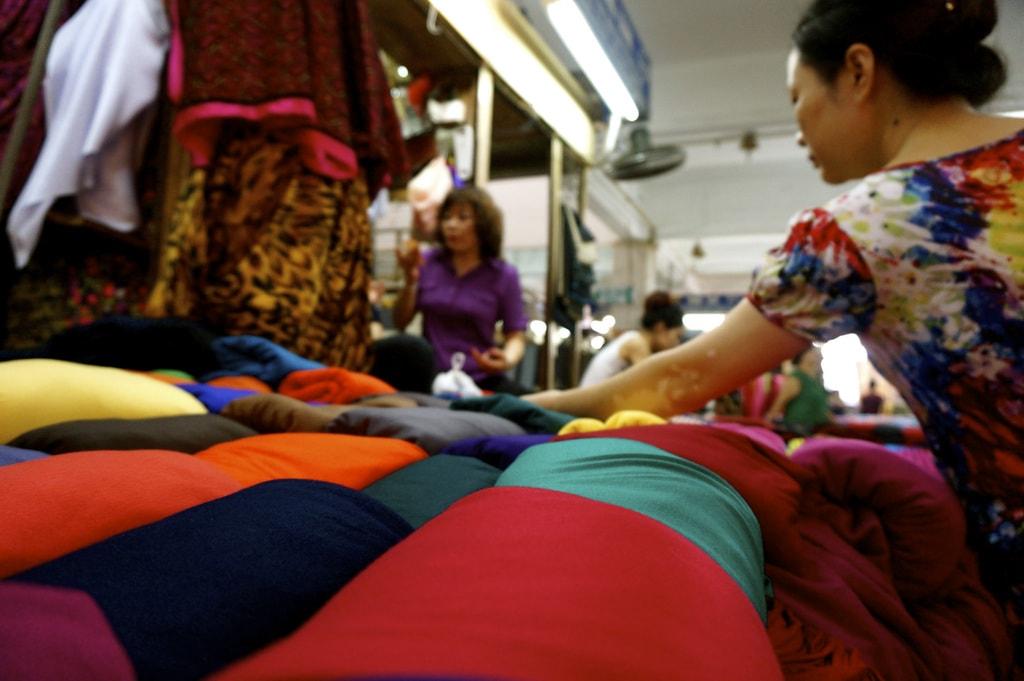 Dong Xuan Market | © Thomas Gralndorge/Flickr