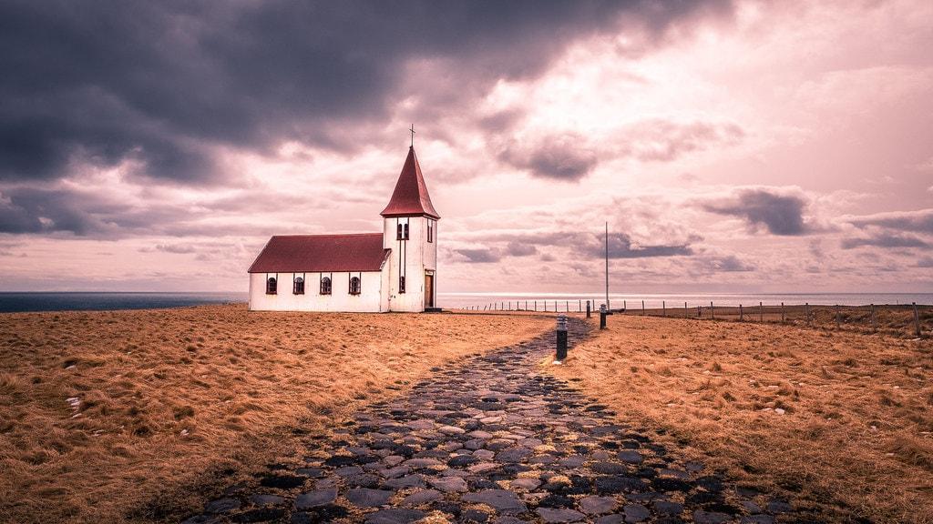 Hellnar, Iceland | © Giuseppe Milo / Flickr