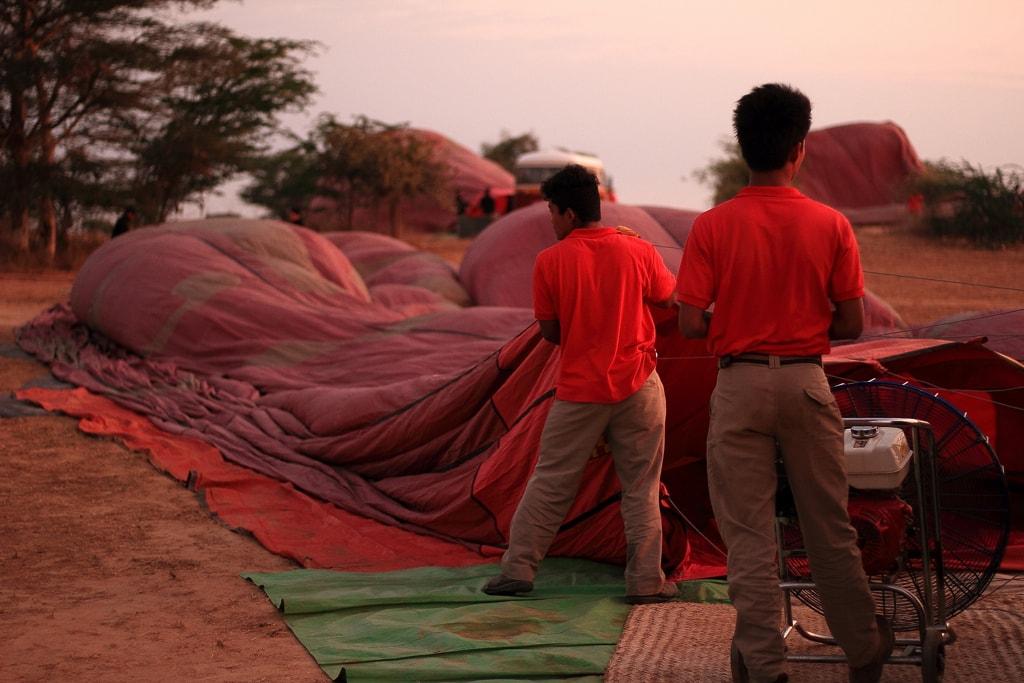 Inflating-Balloons-in-Bagan-Myanmar