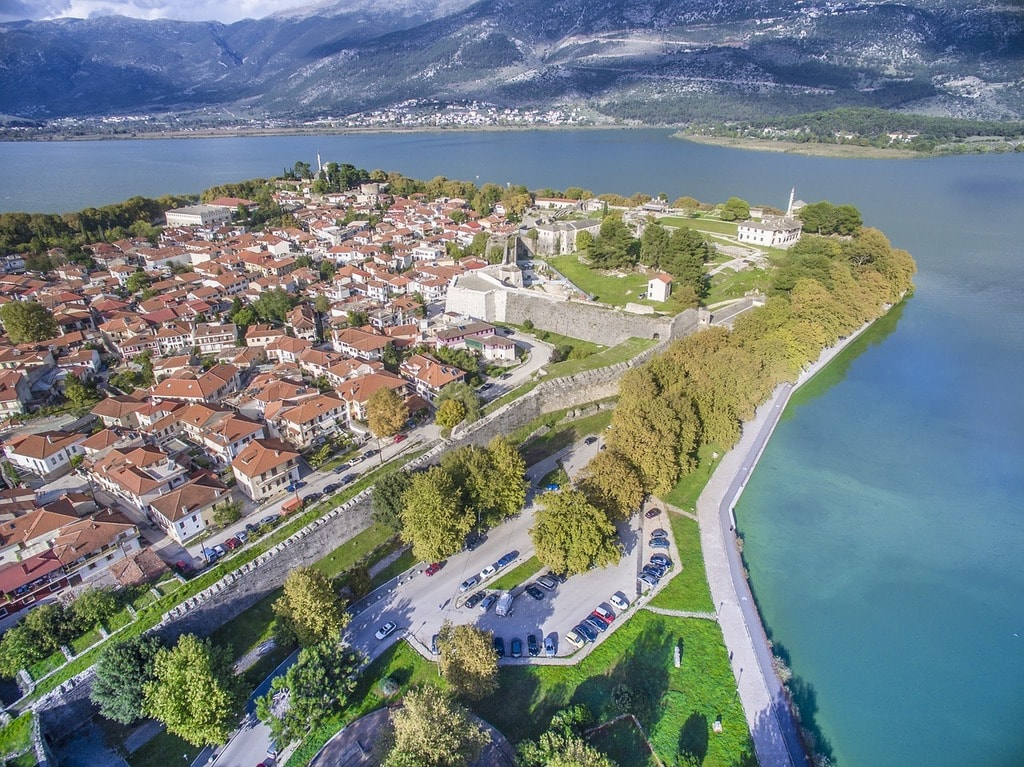 Weather for Ioannina, Greece - Time and Date