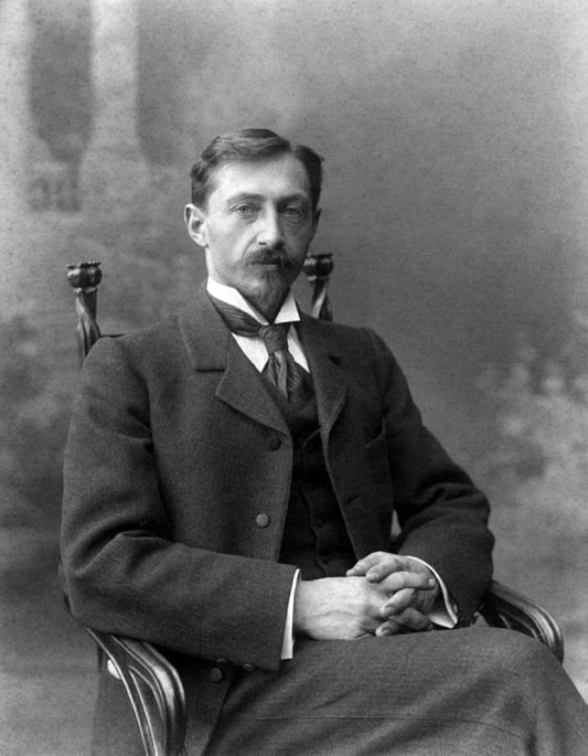 https://commons.wikimedia.org/wiki/File:Ivan_Bunin-1901.jpg